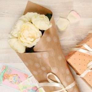 Бумага упаковочная крафтовая «Одуванчики»