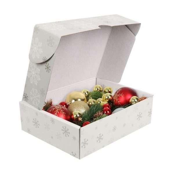 Складная коробка «Снежинки на ладошках»