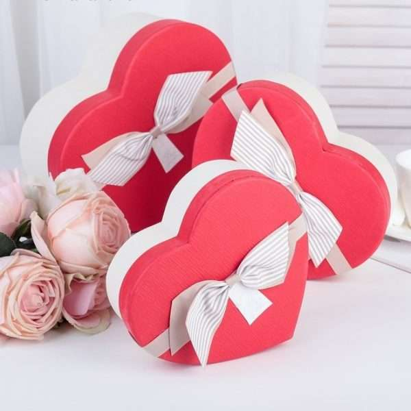 """Подарочная коробка """"Сердце"""" (16,2 х 14,3 х 6 см)"""
