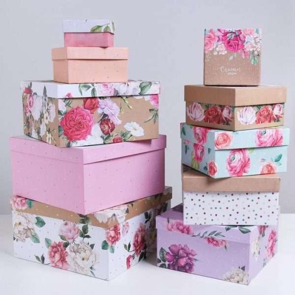 Подарочная коробка «Цветы» (28.2*28.2*15 см)