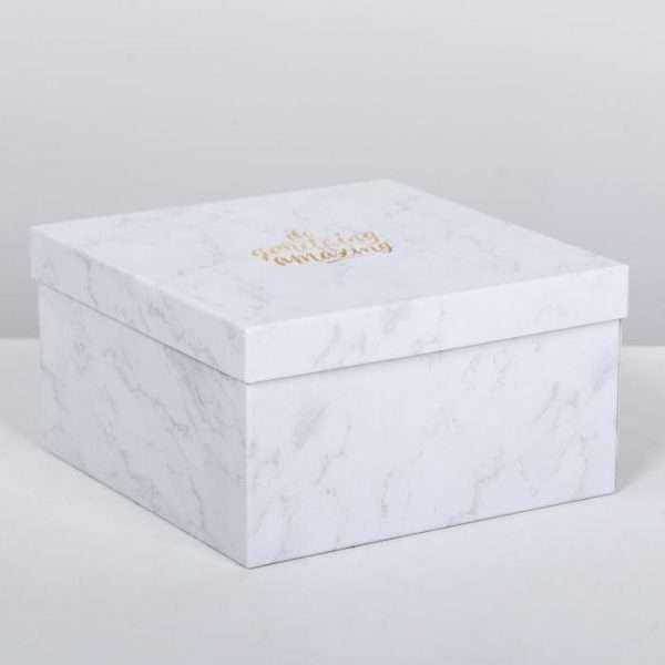 Подарочная коробка «Мраморный» (22×22×12)